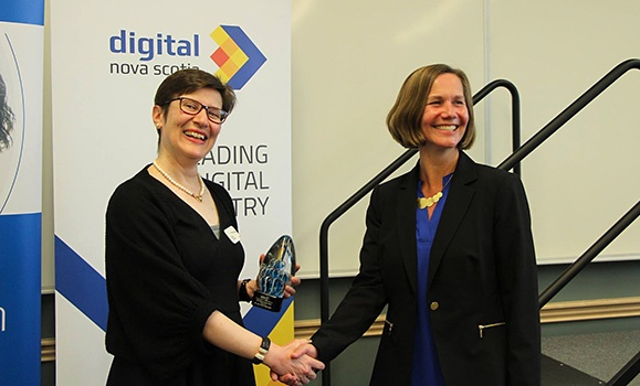 Dr. Nur Zincir-Heywood awarded the 2017 Women Leaders in the Digital Economy Award by Digital Nova Scotia
